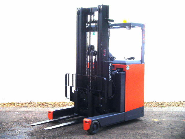 used toyota reach truck picture