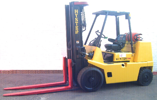 hysterS.700XL lpg forklift with forks compact chassis