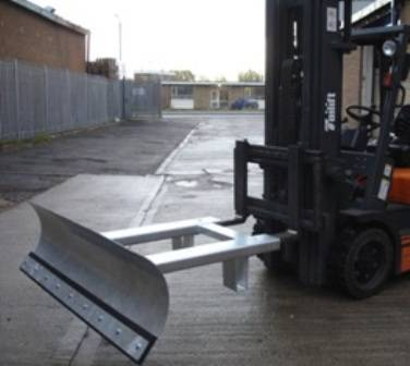 Snow-Plough-ISP-Galvd-forklift